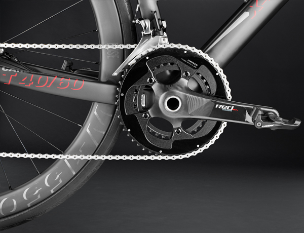 Featherweight champion: SRAM Red crank with a new design  matching the Red eTap components