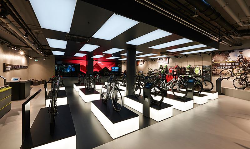 Bike-Konfiguratoren und Fahrradzubehör auf 300 m² Storefläche