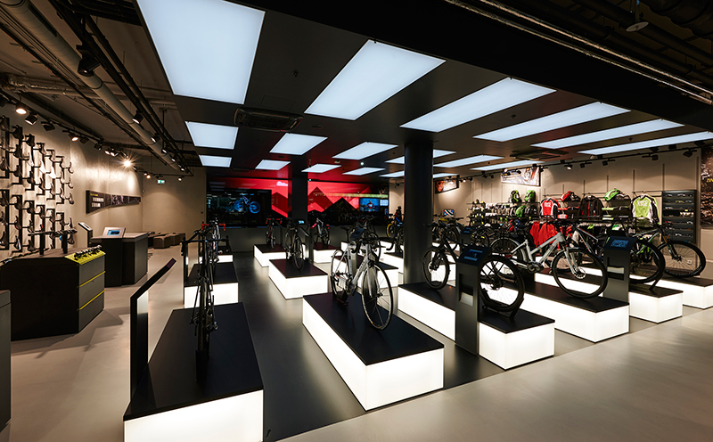 Bike configurators and bicycle accessories on a store area of over 300 m²