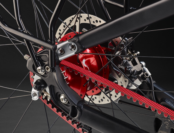 Exclusive down to the last detail: Rohloff gear hub and frame lock for Gates Carbon Drive