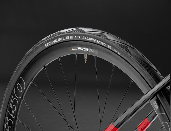 How about a little more: 32 Schwalbe Durano tyres – at home on all roads