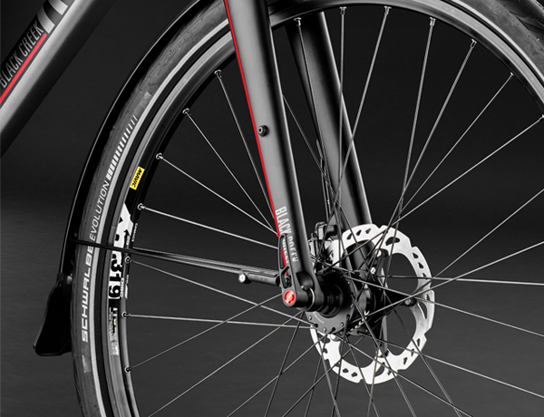 Configuration tip: rigid fork with a 15 mm thru axle for those who attach high importance to a low weight