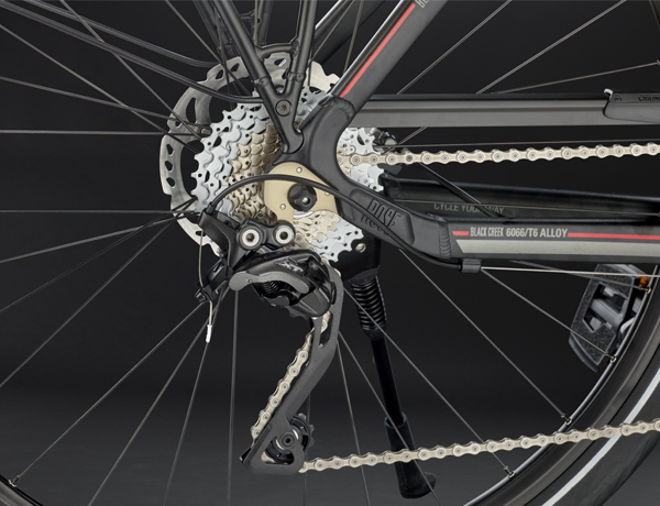 The new Shimano XT T8000 rear derailleur: stable and precise performance for all shifting processes guaranteed