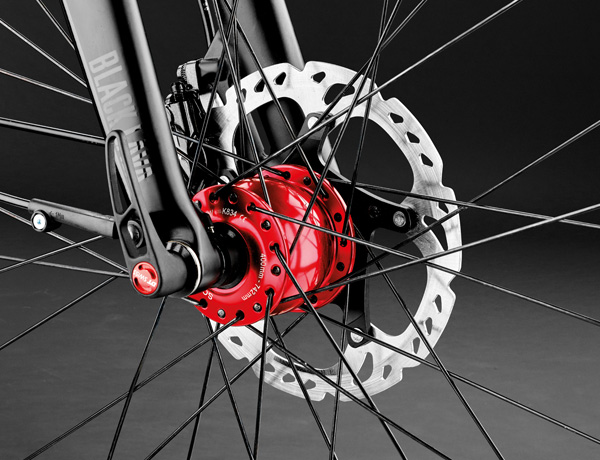 Of high quality and in matching colour: Son hub dynamo
