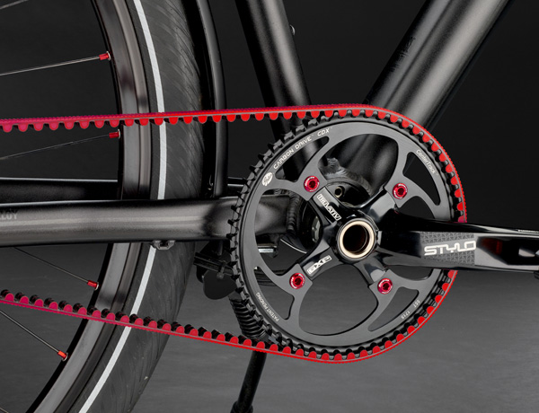 Low-wear and low-maintenance: Carbon Drive Center Track Technology, clean and uncomplicated