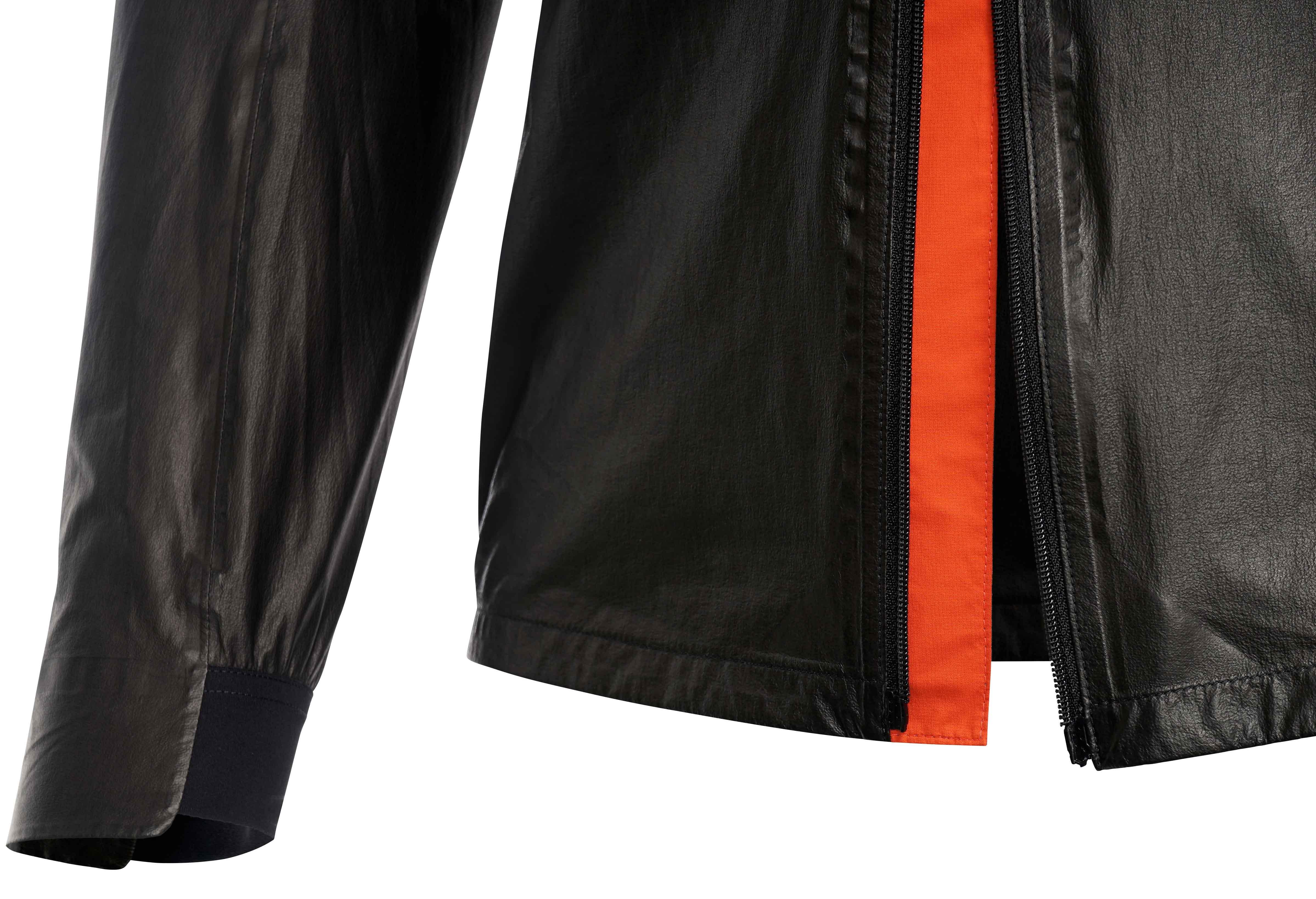 Ergonomisch und komfortabel geschnitten; reflektierende Details für höhere Sichtbarkeit; 2-Wege Reißverschluss