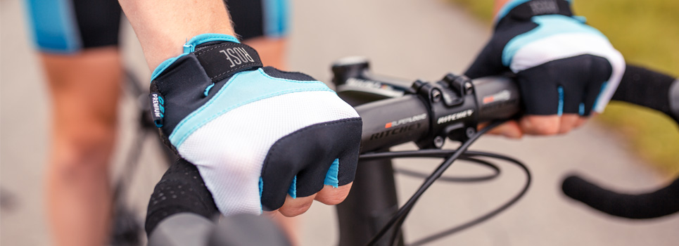 Fingerless Gloves: Cycling Gloves for Bike Tours on Warm Days