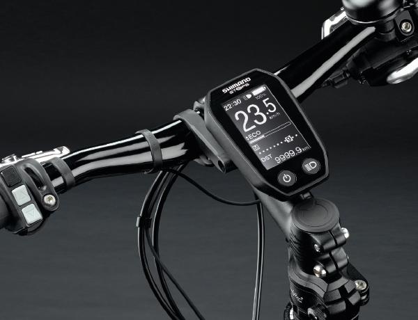 Durchdacht bis ins Detail: puristisches Display und ergonomische, gut erreichbare Schalter