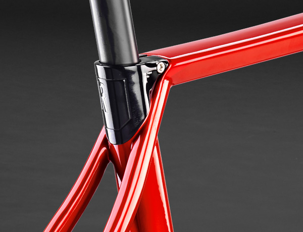 Distinctive ROSE design: The integrated saddle clamp ensures great looks and high comfort