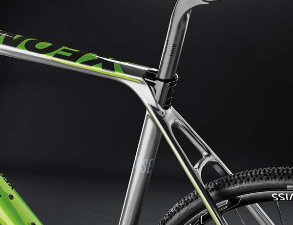 Perfect for cross use: flattened top tube for shouldering