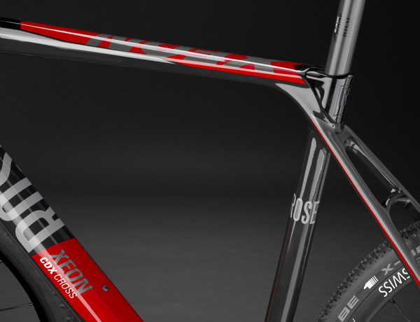 Perfect for cross use: flattened top tube for easy shouldering