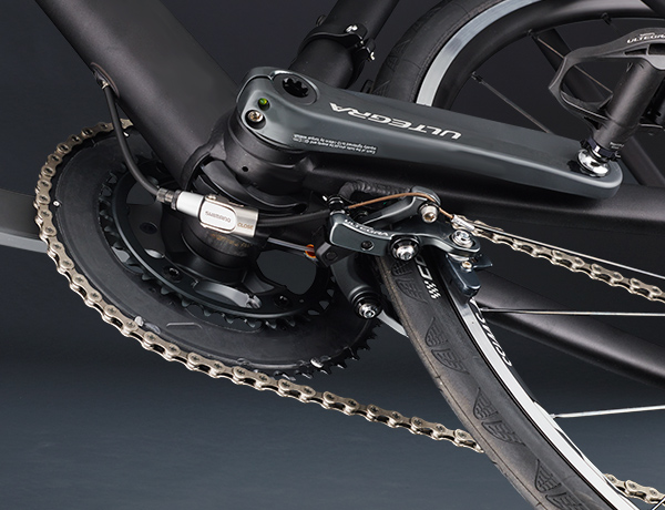 Direct Mount brake under the bottom bracket for maximum braking power in any weather. A Shimano development with a future.