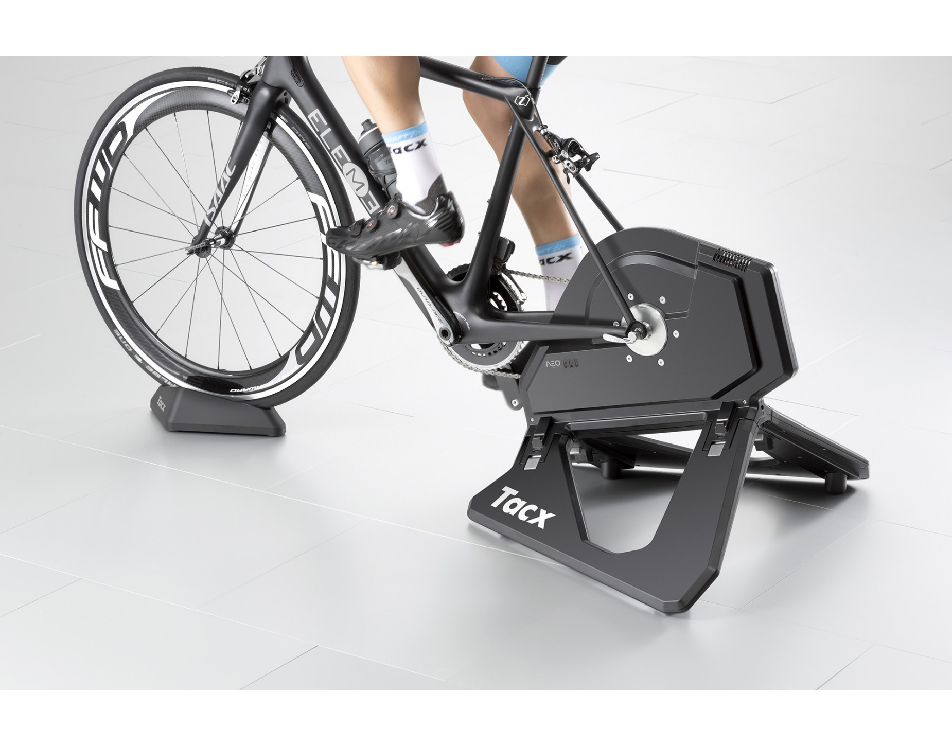 tacx neo t2800 rollentrainer kompatibel f r shimano sram. Black Bedroom Furniture Sets. Home Design Ideas