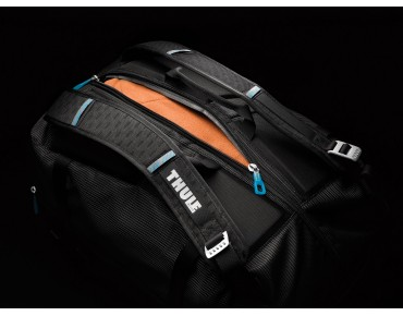 Thule Crossover 40L Duffel Pack travel bag/ and backpack black