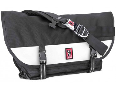 CHROME CITIZEN Messengerbag black/white