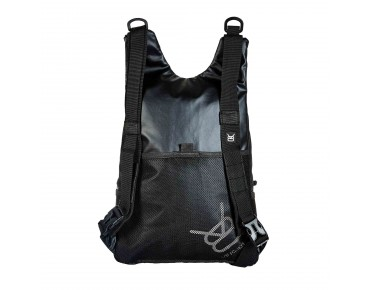 V8 URB 11.1 backpack black/black